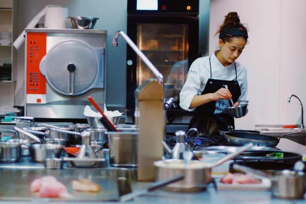 Executive Chef Job Description and Responsibilities
